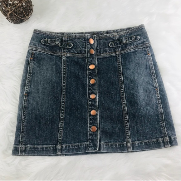 GAP Dresses & Skirts - EUC Gap Size 2 Full Snap Jean Mini Skirt Pockets